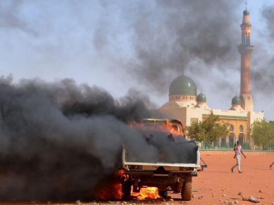 Niger-riots-4.jpg