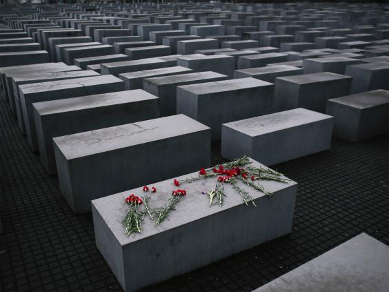 pg-20-holocaust-2-ap.jpg