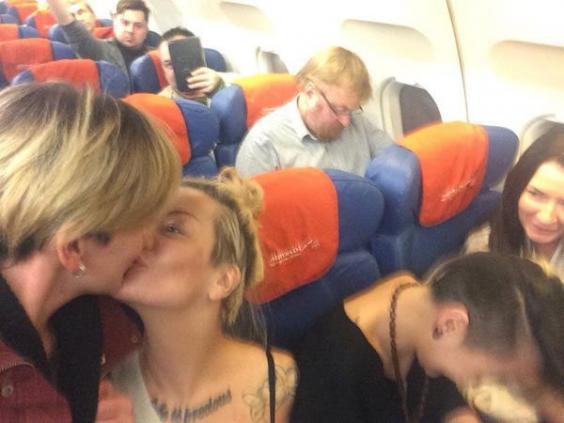 russia-kiss.jpg