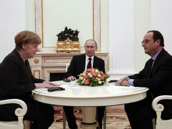 37-Merkel-Putin-Hollande-Reuters.jpg
