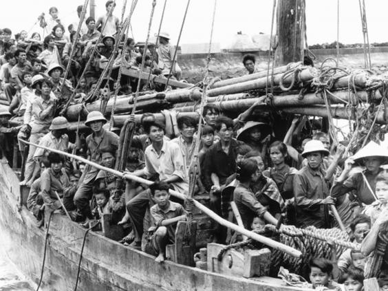 30-Vietnamese-Boat-People.jpg