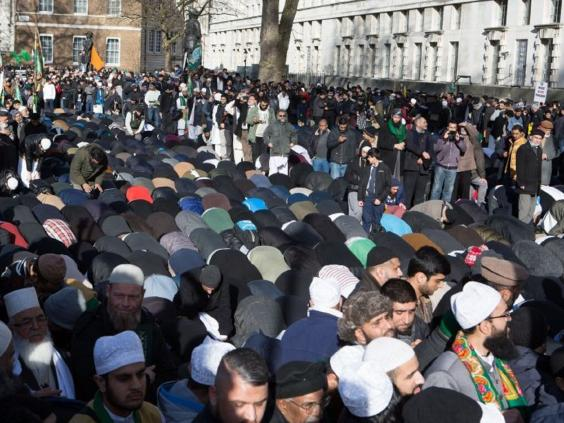 britain-first-muslims-protest-london-4.jpg