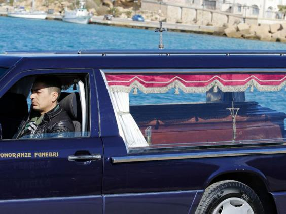 AN62730473A-hearse-with-the.jpg