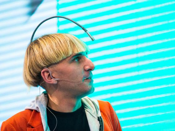 Cyborg_Neil_Harbisson.jpg