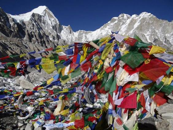 Everest-base-camp-flags.jpg