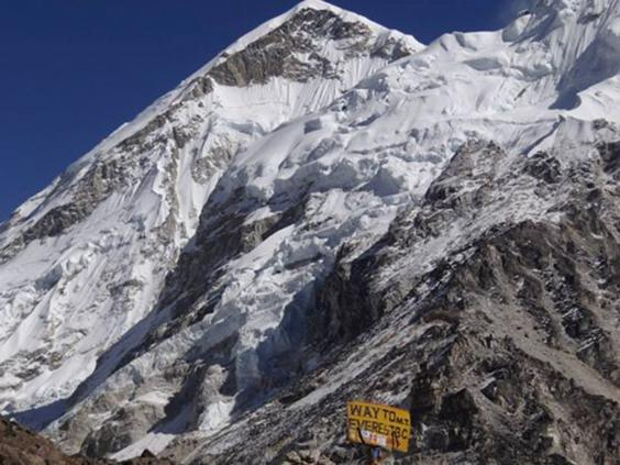 everest-base-camp-sign.jpg