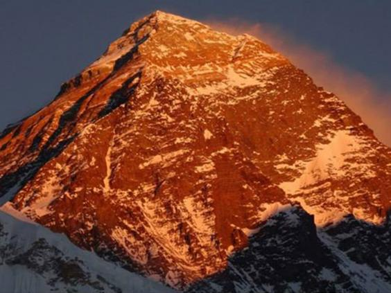 everest-morning-glow.jpg