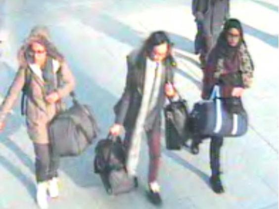 girls-airport.jpg