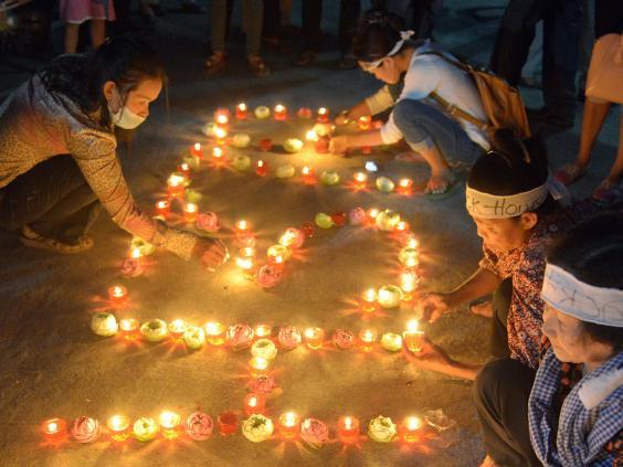 mh370-candles-2.jpg