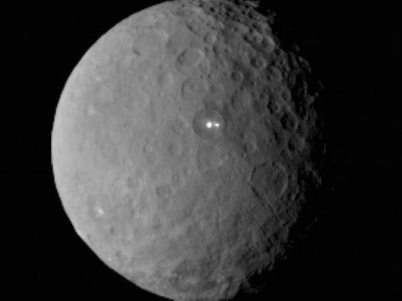ceres-double-bright-spots-feb19-2015-e1424906144834.jpg