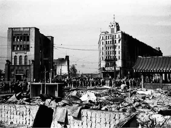 23-Tokyo-Firebombing3v1-AP.jpg