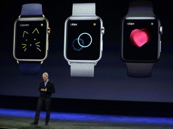 7-Apple-Watch-Tim-Cook-AP.jpg