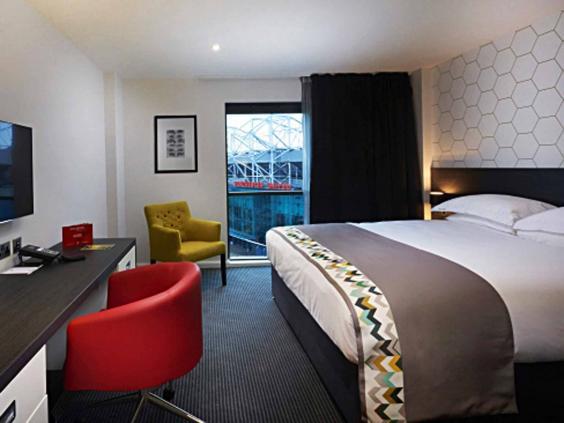 hotel_football_bed.jpg