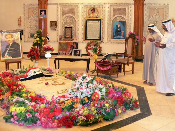 Saddam-Hussein_tomb.jpg