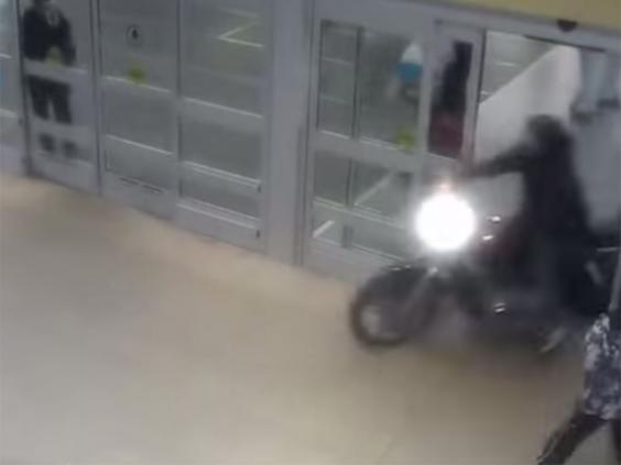 Motorbike2_1.jpg
