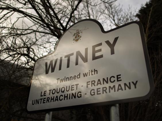 22-Witney-Get.jpg