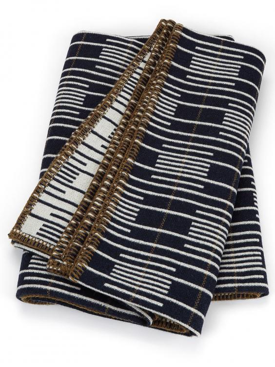 Eleanor-Pritchard---Signal-blanket---photo-by-Jeremy-Johns.jpg
