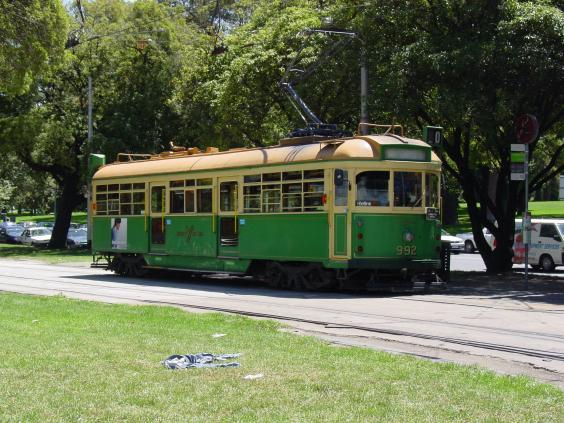 W6_Melbourne_tram,_Nicholson_Street.jpg