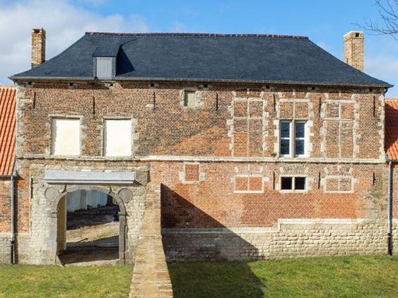 15-Hougoumont-Chateau.jpg