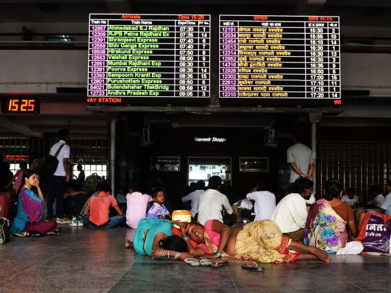 New-Delhi-Railway-Station.jpg