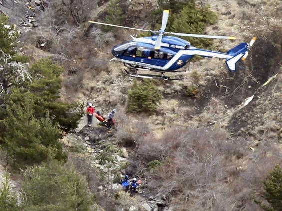 Germanwings-recovery-REUT.jpg