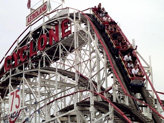 Cyclone-rollercoaster.jpg
