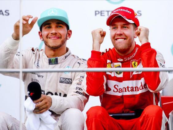 55-Vettel-Hamilton-EPA.jpg