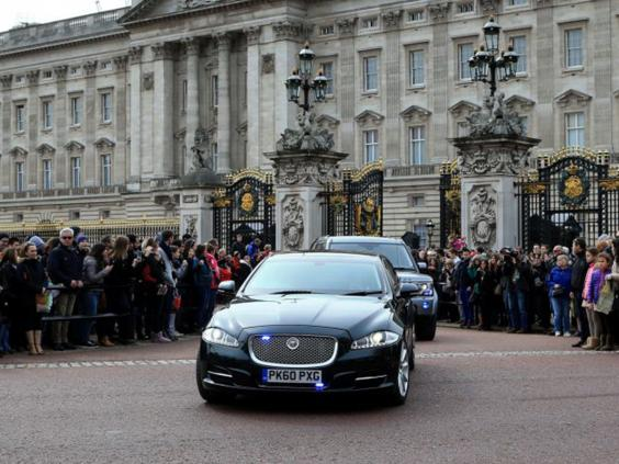 8-Buckingham-Palace-PA.jpg