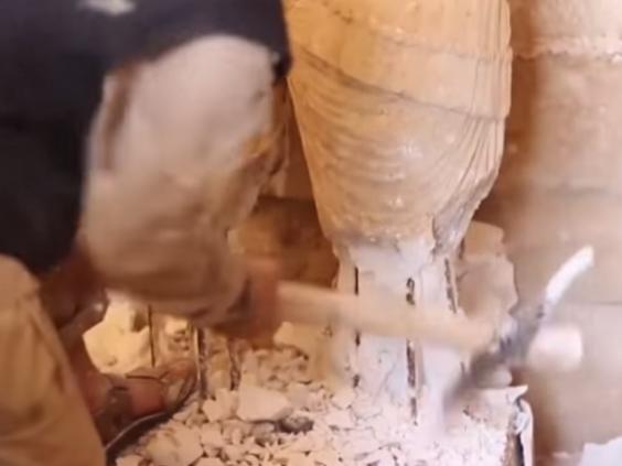 hatra-iraq-isis-plaster-monuments-3.jpg