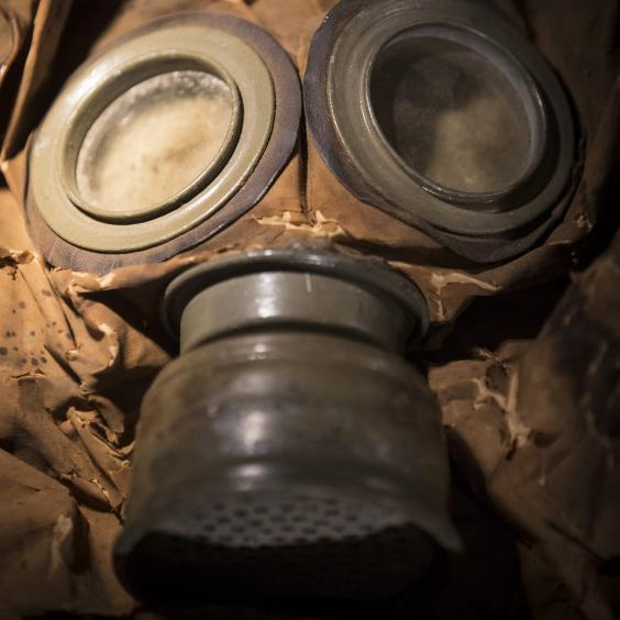 WW1-gasmask.jpg