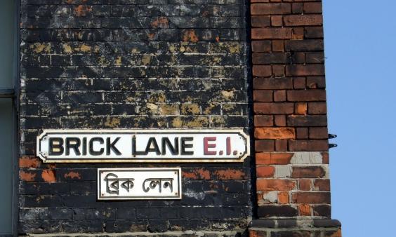 Brick_Lane_street_signs.JPG