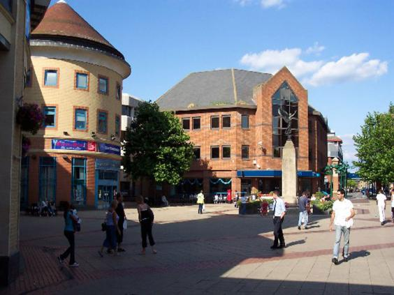 Woking_Town_Square_-_geograph.org.uk_-_40908.jpg