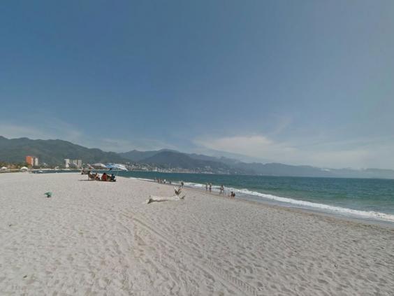 Las-Glorias-beach.jpg