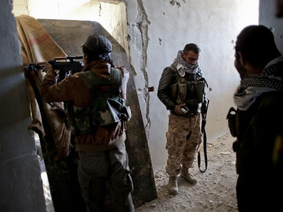 Kurdish_fighter-2-Getty.jpg