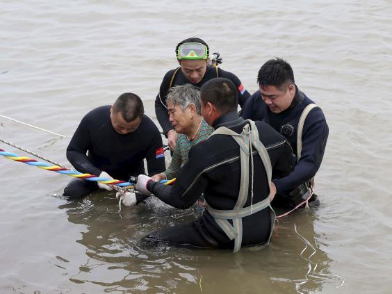 China-Boat-Divers-Reuters.jpg