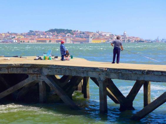 lisbon-fishermen.jpg