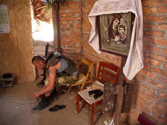 28-Ukrainian-Serviceman-AFP.jpg