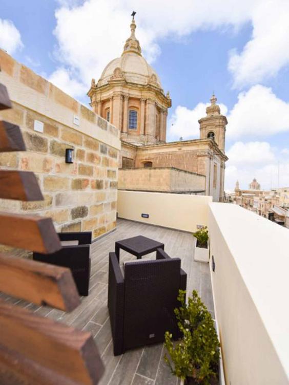 quaint-terrace.jpg