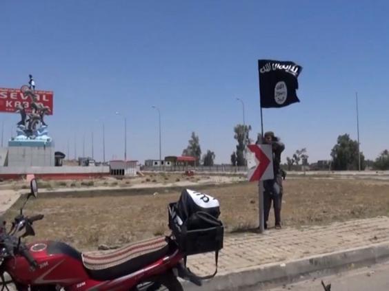 4-Isis-Flag-AFP.jpg