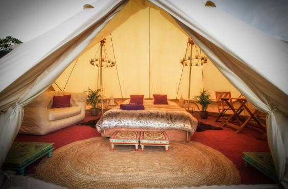 Picture Hotel Bell Tent & Glastonbury 2015: How the other half lives in pop up hotels and ...