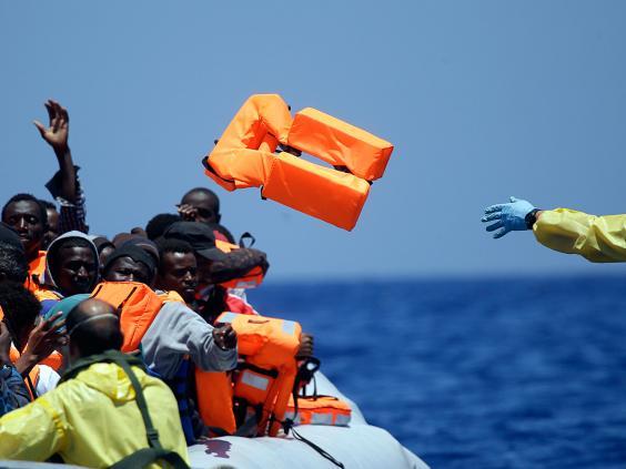 Migrants-1-AP.jpg