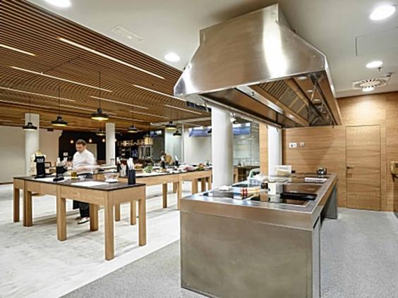 basque-kitchen.jpg