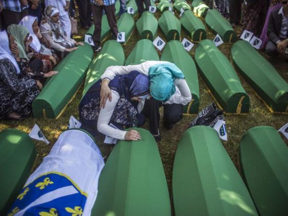 36-Srebrenica-Coffin-AFPGet.jpg
