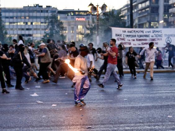 greece-riots-10.jpg