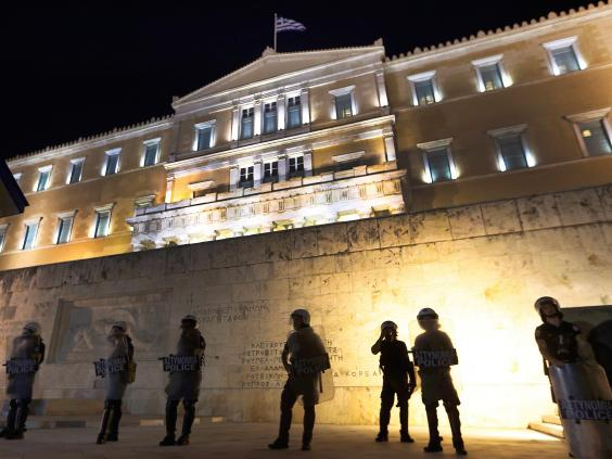 greece-riots-13.jpg