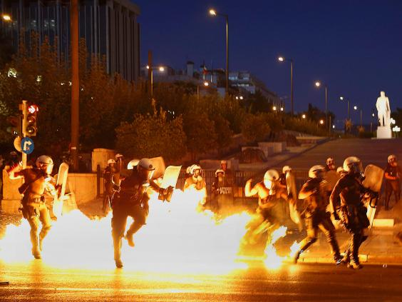 greece-riots-14.jpg