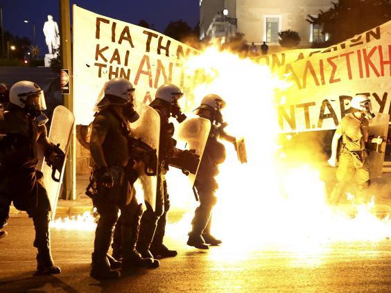greece-riots-16.jpg