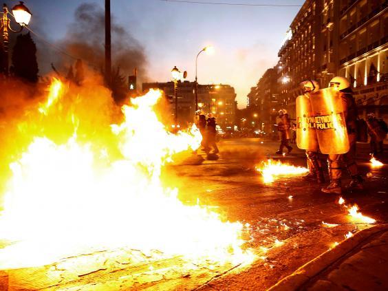 greece-riots-17.jpg