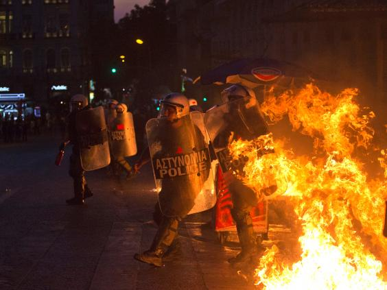 greece-riots-9.jpg