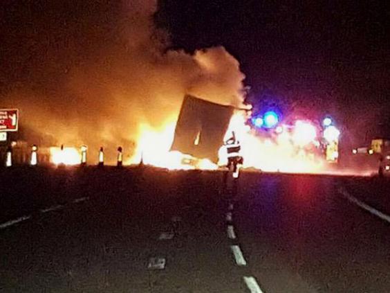 M6-lorry-fire.jpg
